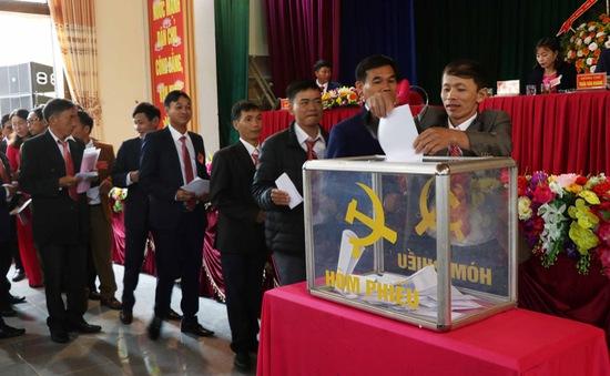 Đại hội Đảng cấp cơ sở bầu trực tiếp Bí thư