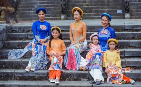 17 di sản và danh thắng Việt Nam tái hiện trong show diễn thời trang tại Hội An