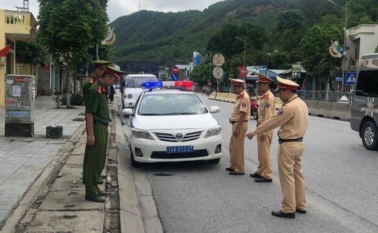 """Truy các đối tượng rải đinh """"bẫy"""" xe trên cao tốc qua Quảng Ninh"""