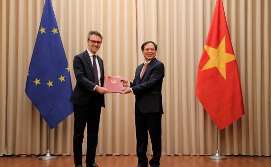 Việt Nam phối hợp với EU sớm đưa Hiệp định EVFTA có hiệu lực