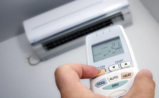 Ngày nắng nóng, sử dụng điều hòa thế nào để tiết kiệm điện?