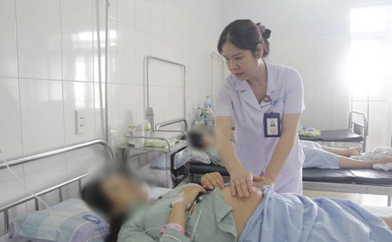 Cứu sống thai nhi và sản phụ bị xoắn tử cung hiếm gặp