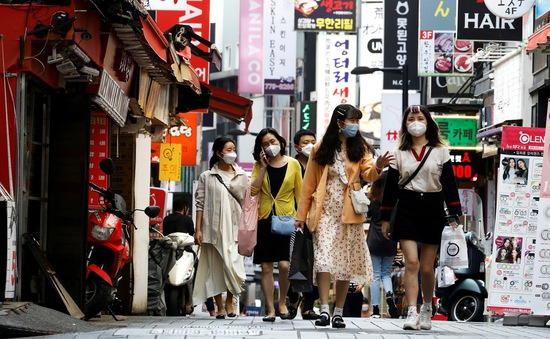 Hàn Quốc thừa nhận đang trong làn sóng dịch COVID-19 thứ hai