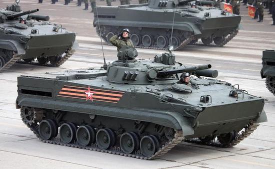 Lễ duyệt binh mừng Chiến thắng: Màn trình diễn của những siêu khí tài tối tân từ nước Nga