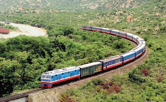 Từ tháng 7/2020, đường sắt chạy thêm nhiều tàu phục vụ cao điểm Hè