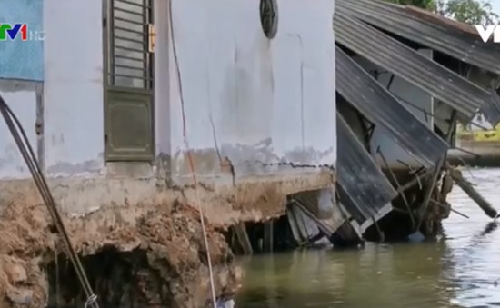 Gia tăng sạt lở vì khô hạn tại Đồng bằng sông Cửu Long