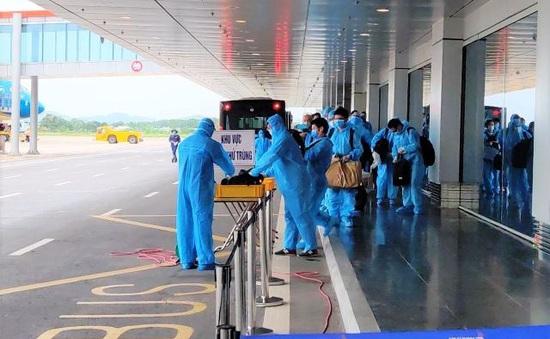 Cách ly 150 chuyên gia, doanh nhân từ Nhật Bản ngay khi tới sân bay Vân Đồn
