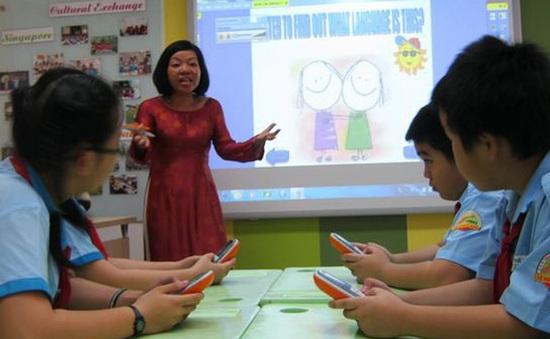 Thi nâng bậc IELTS: Thử thách mới đối với các giáo viên tiếng Anh ở Hà Nội