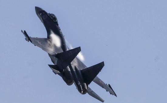 Tiêm kích Nga chặn máy bay do thám Mỹ