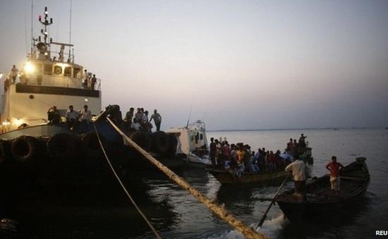 Hơn 20 người thiệt mạng trong vụ lật phà tại Bangladesh