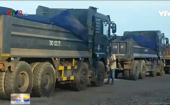 Khánh Hòa: Dân bức xúc vì xe quá tải gây nứt nhà