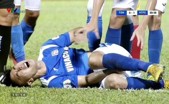 VIDEO: Hải Huy gặp chấn thương kinh hoàng trong trận gặp Hồng Lĩnh Hà Tĩnh