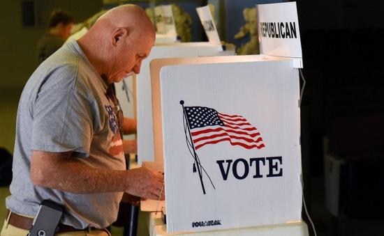 Nước Mỹ và nguy cơ bùng phát dịch COVID-19 trước thềm bầu cử