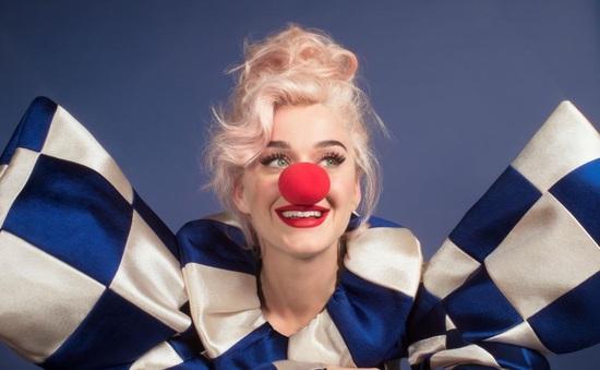 Katy Perry hóa chú hề, công bố album mới