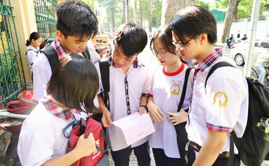 Vì sao điểm chuẩn vào lớp 10 năm học 2020-2021 ở TP.HCM tăng mạnh?