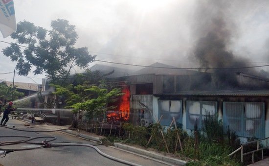 Cháy xưởng phun sơn đồ gỗ tại Bắc Ninh, 1 người tử vong