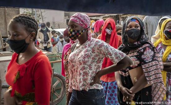 Dịch COVID-19 bùng phát mạnh ở châu Phi, WHO bày tỏ sự quan ngại