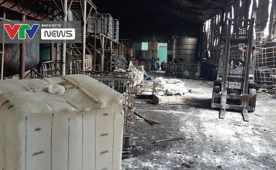 Cần minh bạch thông tin tới người dân về vụ cháy kho hóa chất ở Long Biên