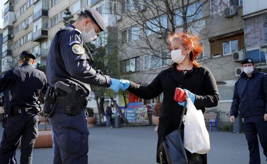 Romania  bắt buộc những người mắc COVID-19 phải nhập viện điều trị