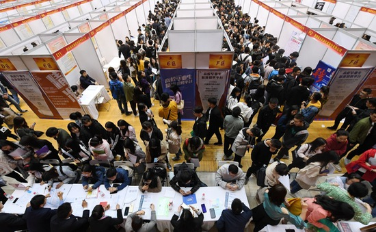 Trung Quốc hỗ trợ tạo việc làm, kiềm chế tỷ lệ thất nghiệp