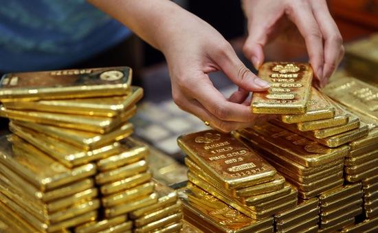"""Xô đổ mọi kỷ lục thời đại, giá vàng """"chọc thủng"""" mốc 55 triệu đồng/lượng"""