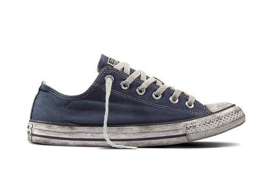 Muôn kiểu tiêu dùng: Nho Nhật đắt đỏ hay đôi giày bẩn giá đắt?
