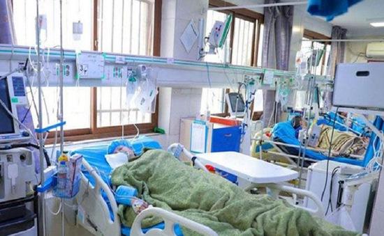 Hệ thống y tế Iran quá tải do COVID-19
