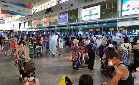 Hà Nội yêu cầu tạm dừng tham quan, du lịch đến vùng có dịch