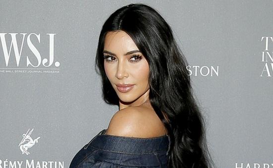 Kim Kardashian tự nhận là tỷ phú, Forbes phản bác