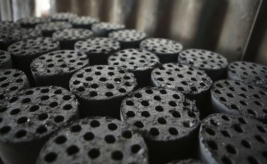Hạn chế sử dụng gần 73% bếp than tổ ong, chỉ số bụi mịn Hà Nội giảm mạnh