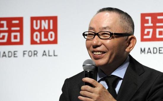 Khách hàng đổ xô mua sắm hậu COVID-19, tài sản ông chủ Uniqlo chạm mốc 29 tỷ USD