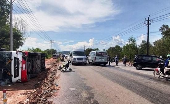 """Tai nạn liên hoàn ở Phú Quốc: 3 xe ô tô """"làm xiếc"""", hơn 40 du khách hú vía thoát nạn"""
