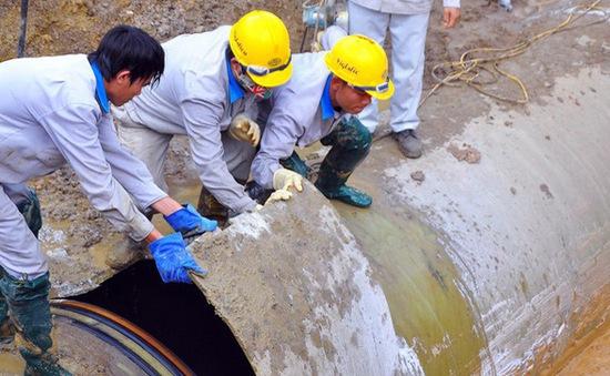 Đã cấp nước trở lại sau sự cố rò rỉ đường ống nước sông Đà