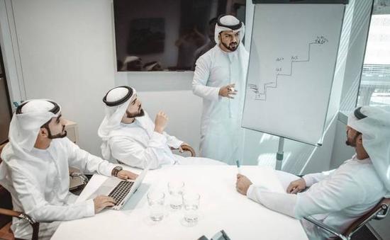 Đối phó suy thoái kép, Dubai áp dụng chế độ giờ làm việc linh hoạt