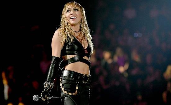 Miley Cyrus nói về hôn nhân và những đứa trẻ: Đó chưa bao giờ là ưu tiên của tôi