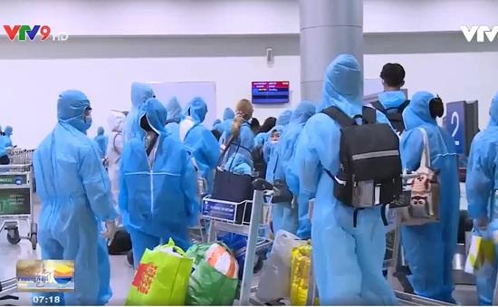 TP.HCM: Người dân vui mừng trở về an toàn từ Đà Nẵng