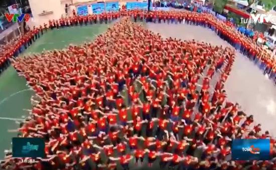 """75 năm bài hát """"Lên đàng"""" lan toả tinh thần Cách mạng tháng 8"""