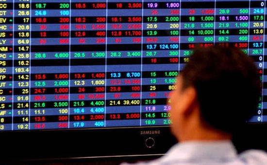 """Thị trường chứng khoán """"đỏ vỏ, xanh lòng"""""""