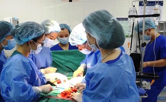 Lần đầu tiên điều trị thành công ca vỡ tử cung