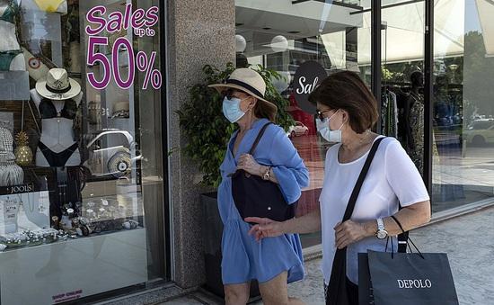 Hy Lạp bắt buộc đeo khẩu trang ở tất cả không gian công cộng