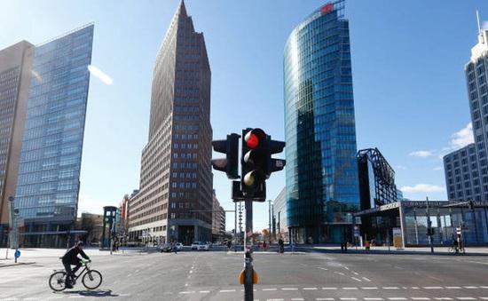 Kinh tế châu Âu suy thoái sâu, phục hồi chậm