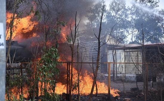 Kịp thời dập tắt đám cháy bùng phát 2 lần tại kho xăng dầu ở Hải Phòng