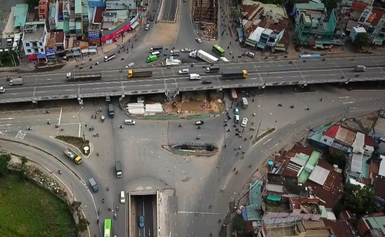 TP.HCM khắc phục điểm nghẽn hạ tầng giao thông, hướng đến giao thông bền vững, hiện đại