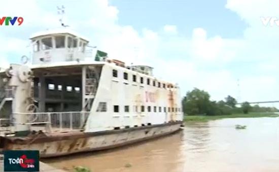 Đồng Tháp: Phà Cao Lãnh ngưng hoạt động, người dân qua sông khó khăn