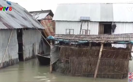 1/3 đất nước Bangladesh bị lũ lụt tàn phá