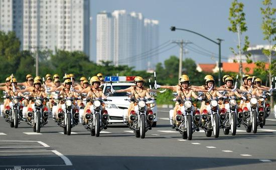 TP.HCM ra mắt đội nữ CSGT dẫn đoàn đầu tiên