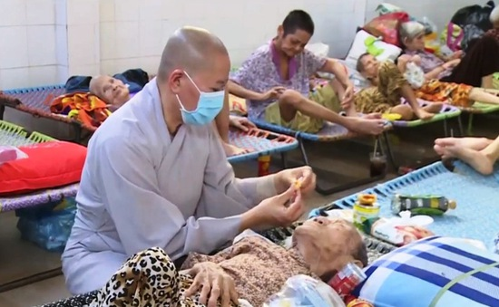 Chùa Lâm Quang - Chốn nương tựa cuối đời của các cụ già neo đơn