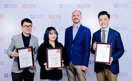 3 thí sinh Việt Nam nhận học bổng IELTS Prize khu vực Đông Á