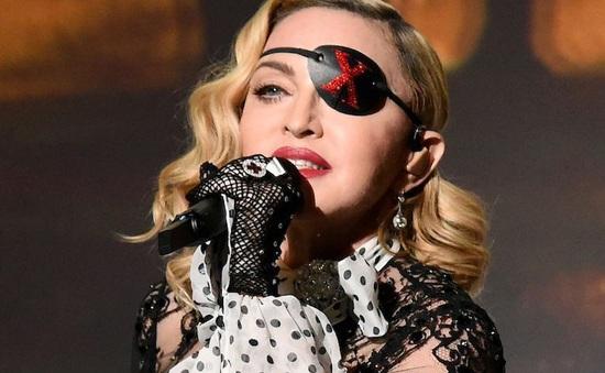 Madonna sẽ tự đạo diễn phim tiểu sử về mình