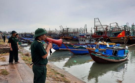 Các tỉnh miền Trung triển khai nhanh các biện pháp ứng phó bão số 5